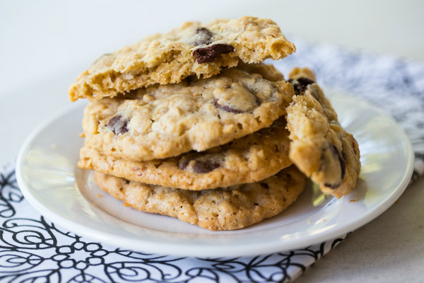 Gluten Free Oatmeal, Dark Chocolate, and Coconut Cookie