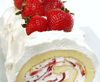 Gluten Free Strawberry Cake Roll