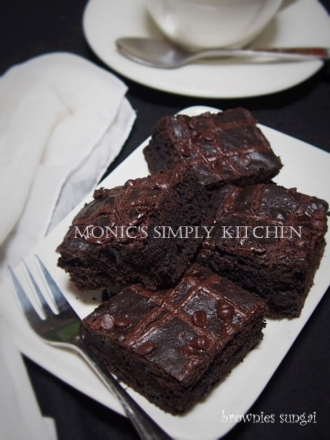 Triple Chocolate Brownies Sungai