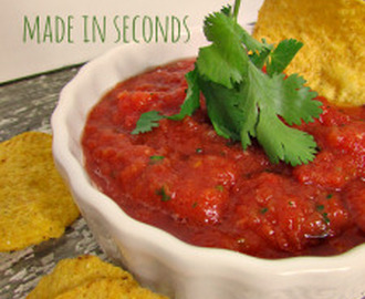 EASY Homemade Salsa Recipe