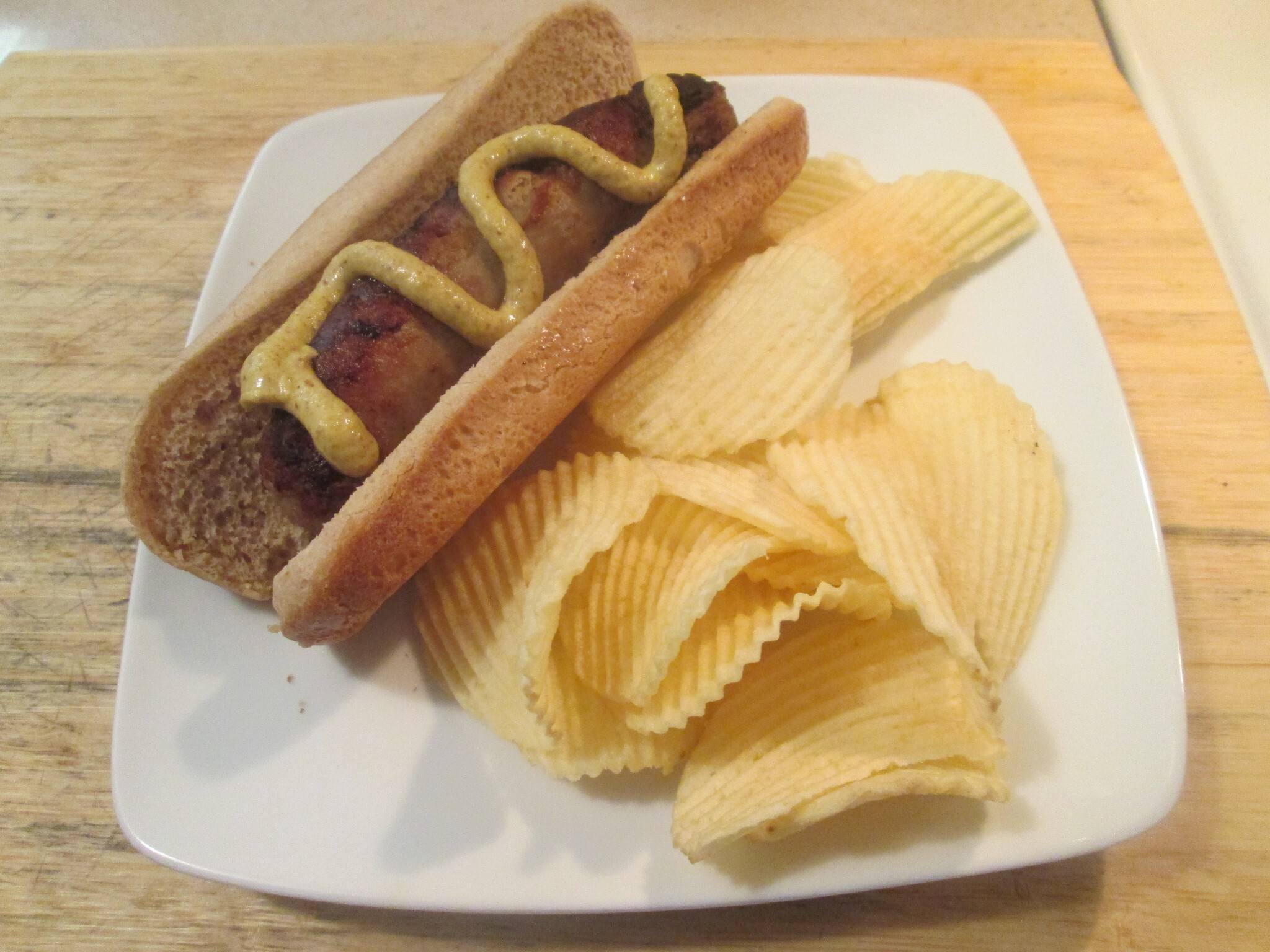 Sweet Italian Turkey Sausage w/ Pringle's Fat Free Chips