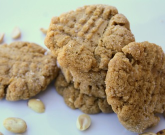 Peanut Butter Cookies (Dairy, Gluten and Refined Sugar Free)