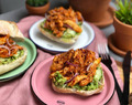 broodje pulled chicken: zoet-pittige kip - Familie over de kook