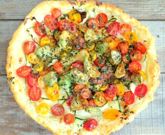 Tarte aux courgettes, tomates parmesan et basilic (Pie with zucchini, cherry tomatoes,Parmesan and basil)