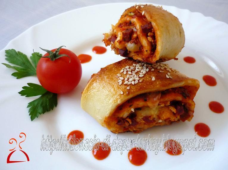 Roll Pizza (isi sosis)