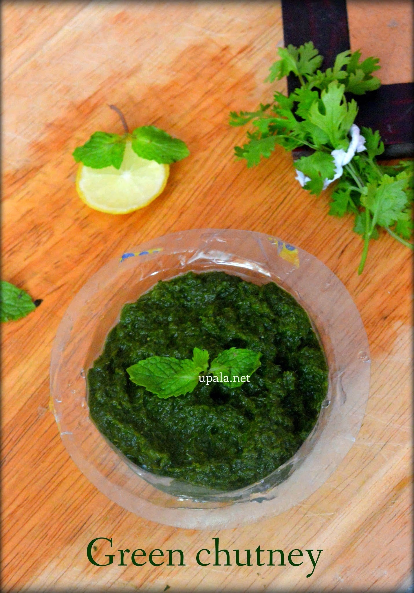 Green chutney for Chaats/Mint Coriander chutney