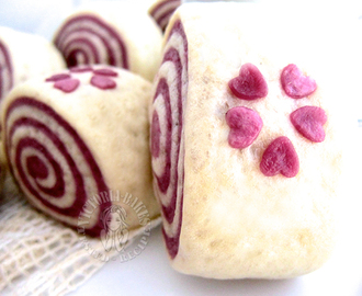 purple sweet potato swirl mantou (steam bun) 紫薯双色馒头