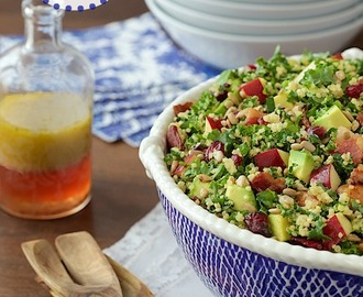 Quinoa and Kale Salad with Avocados, Apples and Bacon