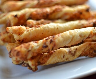 Bacon Cheddar Straws
