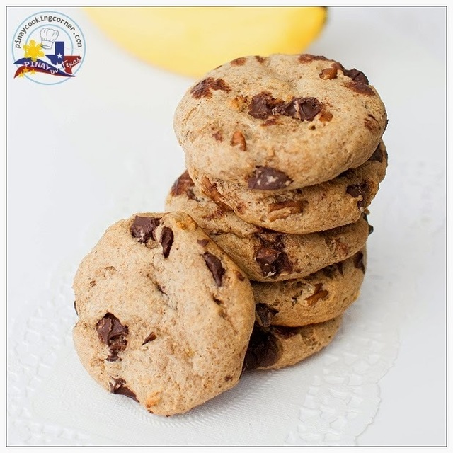 Whole Wheat Banana Chocolate Chip Cookies