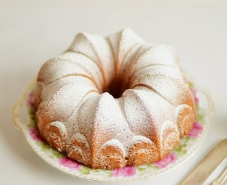 Coconut and orange cake / Bolo de laranja e coco.