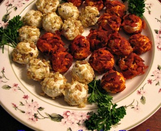 Mini Cheese Balls #SundaySupper Red Carpet Party