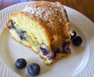 Blueberry Almond Sour Cream Coffee Cake