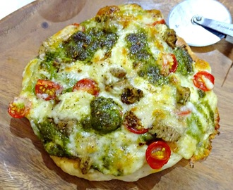Pesto Chicken Pizza/Pesto Chicken and Mushroom Pizza