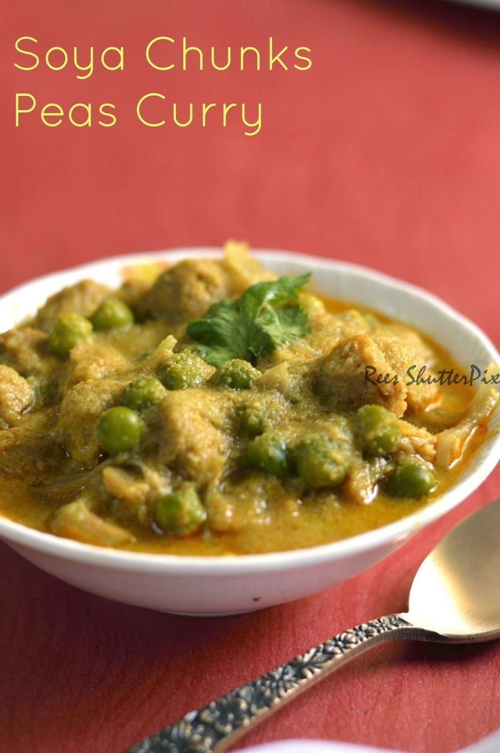 Soya Chunks Green Peas Curry Recipe | Easy Veg Side Dish Recipes