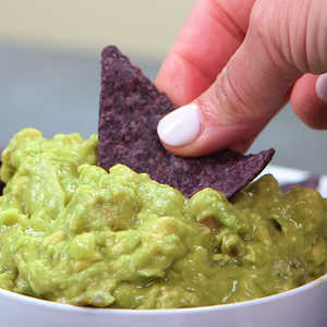 How to Make Guacamole 4 Ways