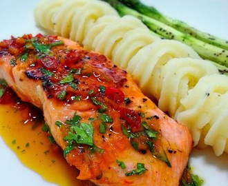 Salmon with Spicy Orange Glaze and Grilled Asparagus