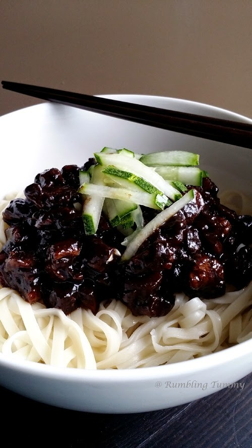 Noodles with blackbean sauce Jjajangmyeon 짜장면