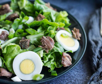 Boston Lettuce with Beef and Eggs