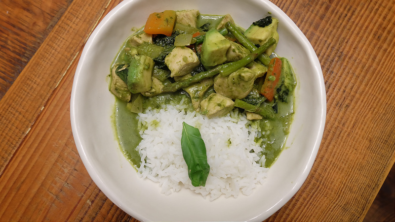 Chicken Avocado Green Curry