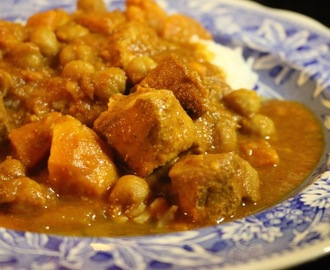 Chicken Curry with Sweet Potato and Chickpeas