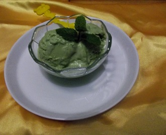 Homemade... Green Tea Ice Cream...