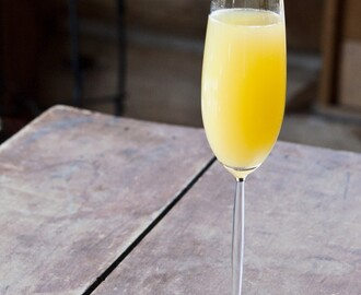 Slim and Sparkling™ Easter Brunch Cocktail – Orange Mango Sparkler!