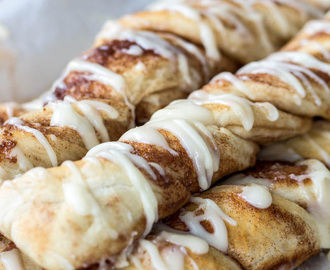 Cinnamon Roll Bread Sticks