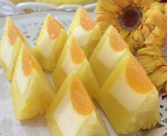 ~~~  Manggo Yoghurt Cheese Jelly Moon Cake   ~~~ 芒果乳酸芝士燕菜月饼