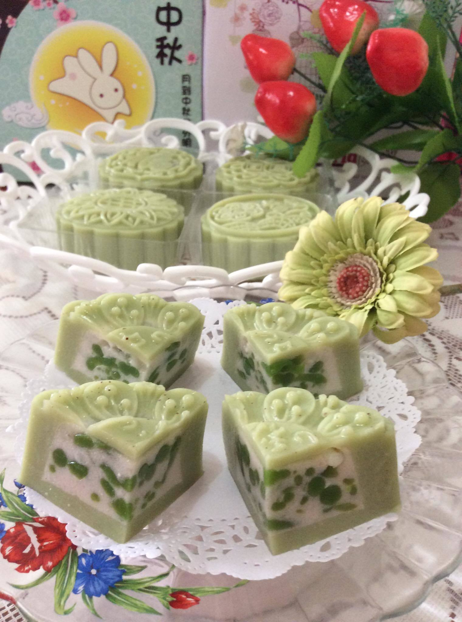 ~~~   Chendol & Coconut Milk Jelly Moon Cake  ~~~    晶露&椰香燕菜月饼