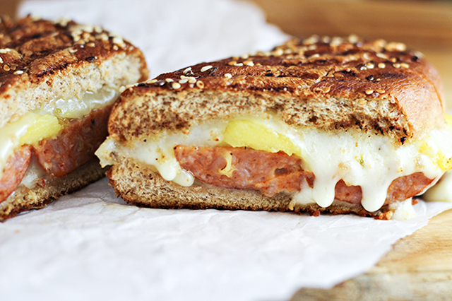 Spicy Sausage and Mango Grilled Cheese Sandwich Recipe