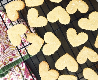 Comment on sea salt shortbread cookies with lemon curd | paired with Kracher Auslese 2011 by Marmy