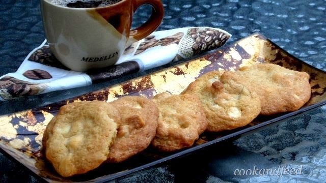 White Chocolate Chip And Macadamia Nut Cookies/Μπισκότα Με Δάκρυα Λευκής Σοκολάτας Και Macadamia Nuts