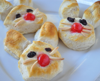 Easter Kid Recipes-Easy Bunny Biscuits