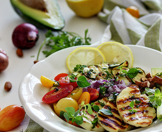 Salata od kinoe i halloumi sira / Roasted vegetable quinoa salad with griddled halloumi recipe