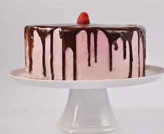 Raspberry brownie cake / Bolo de chocolate e framboesa.