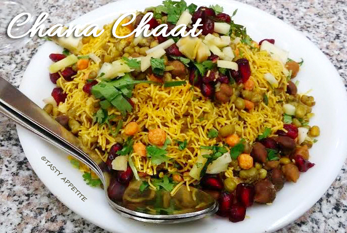 Kala Chana Chat Recipe / Easy Chat Recipes / Healthy Snack Ideas
