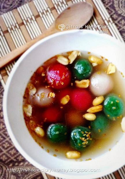 Wedang Ronde (Indonesian Glutinous balls in ginger syrup)