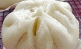 Steamed roasted siopao