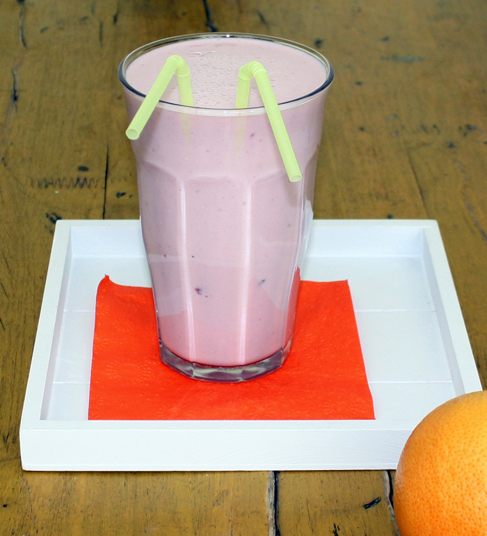 Strawberry grapefruit juice smoothie