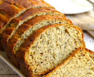 . greek yogurt banana bread .
