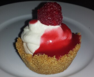No Bake Mini Cheesecakes with Raspberry Sauce