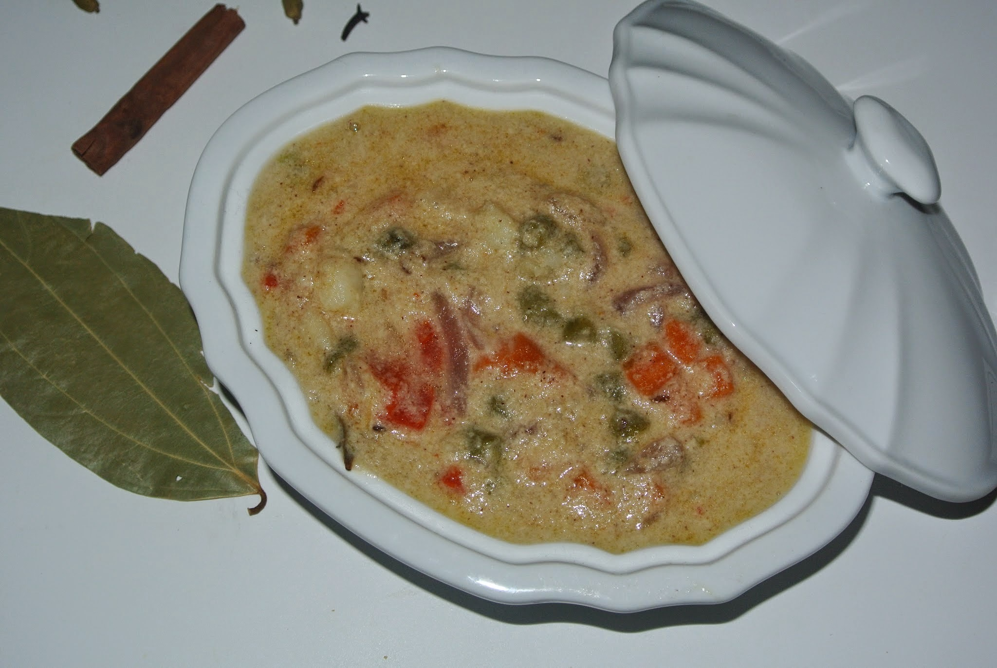 white Kurma(Veg kurma)/ Side dish for chappathi