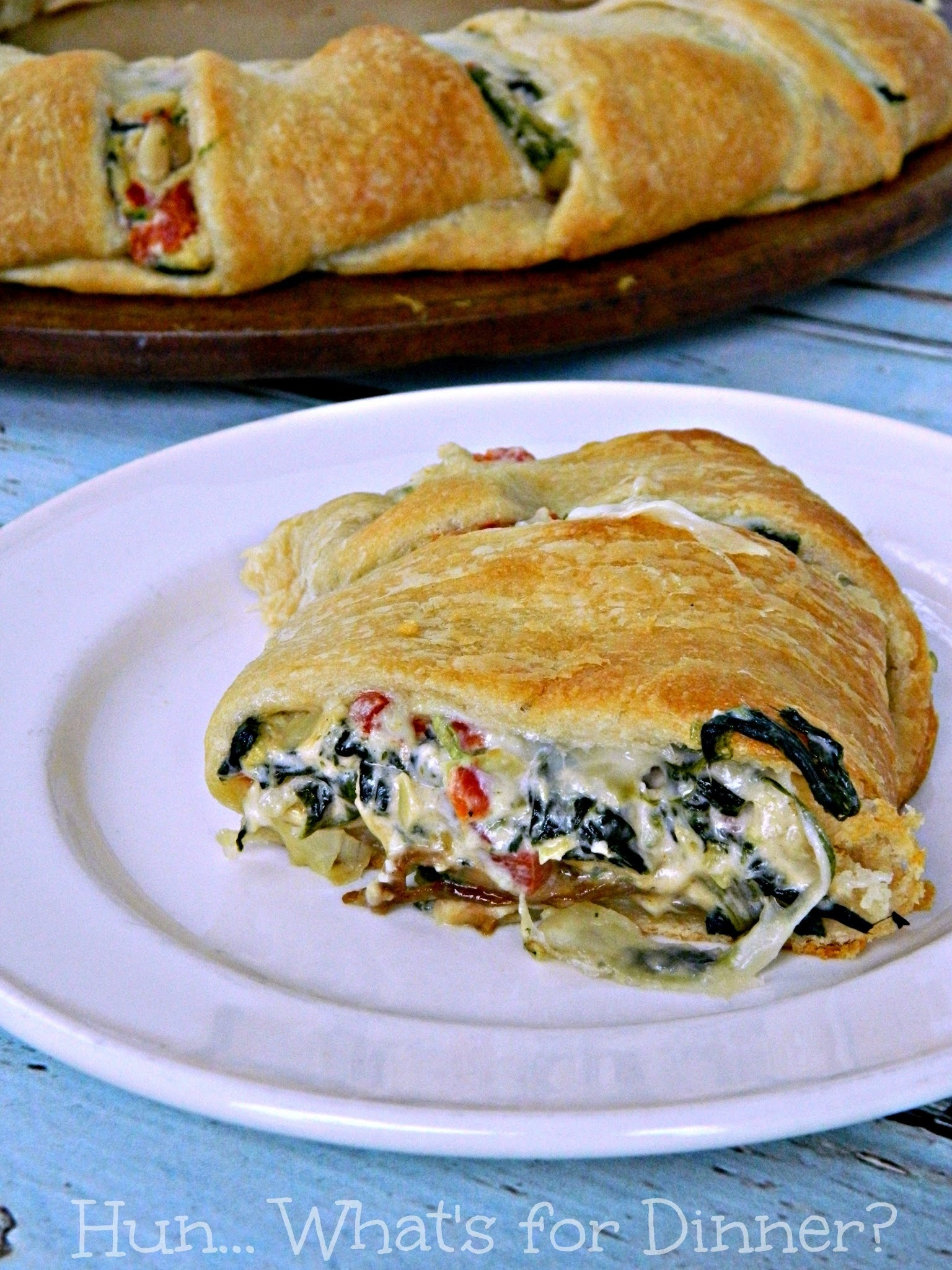 Spinach Artichoke Dip Crescent Ring