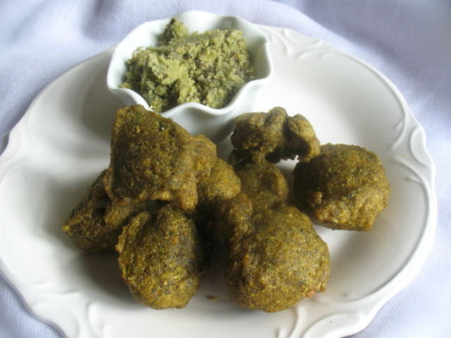 Mung Dal Vada (Fried Indian Lentil Fritters)