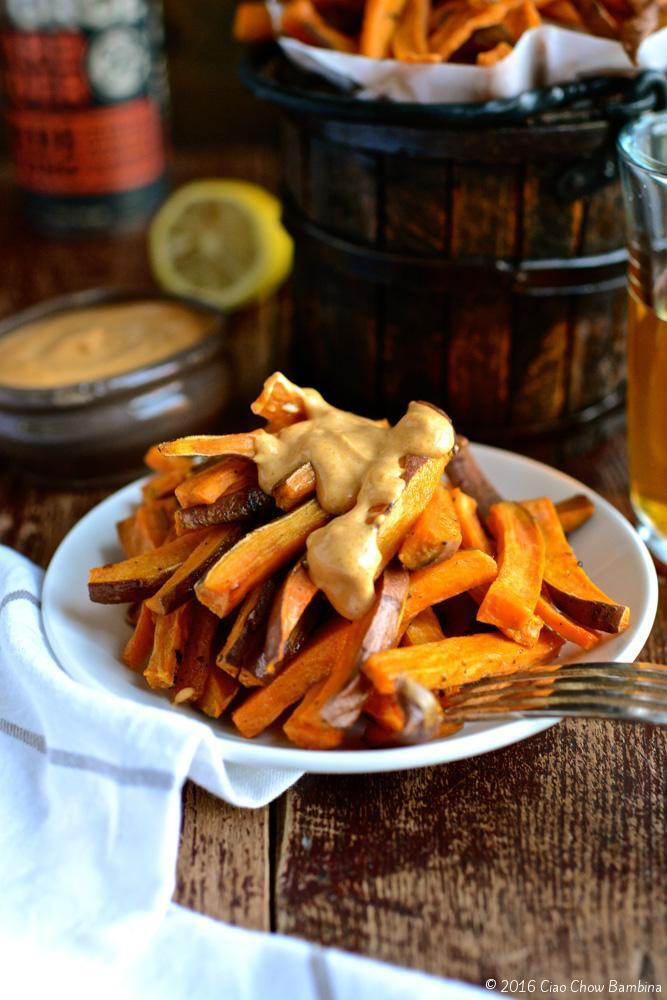 Crispy Baked Sweet Potato Fries with Sriracha Curry Mayo