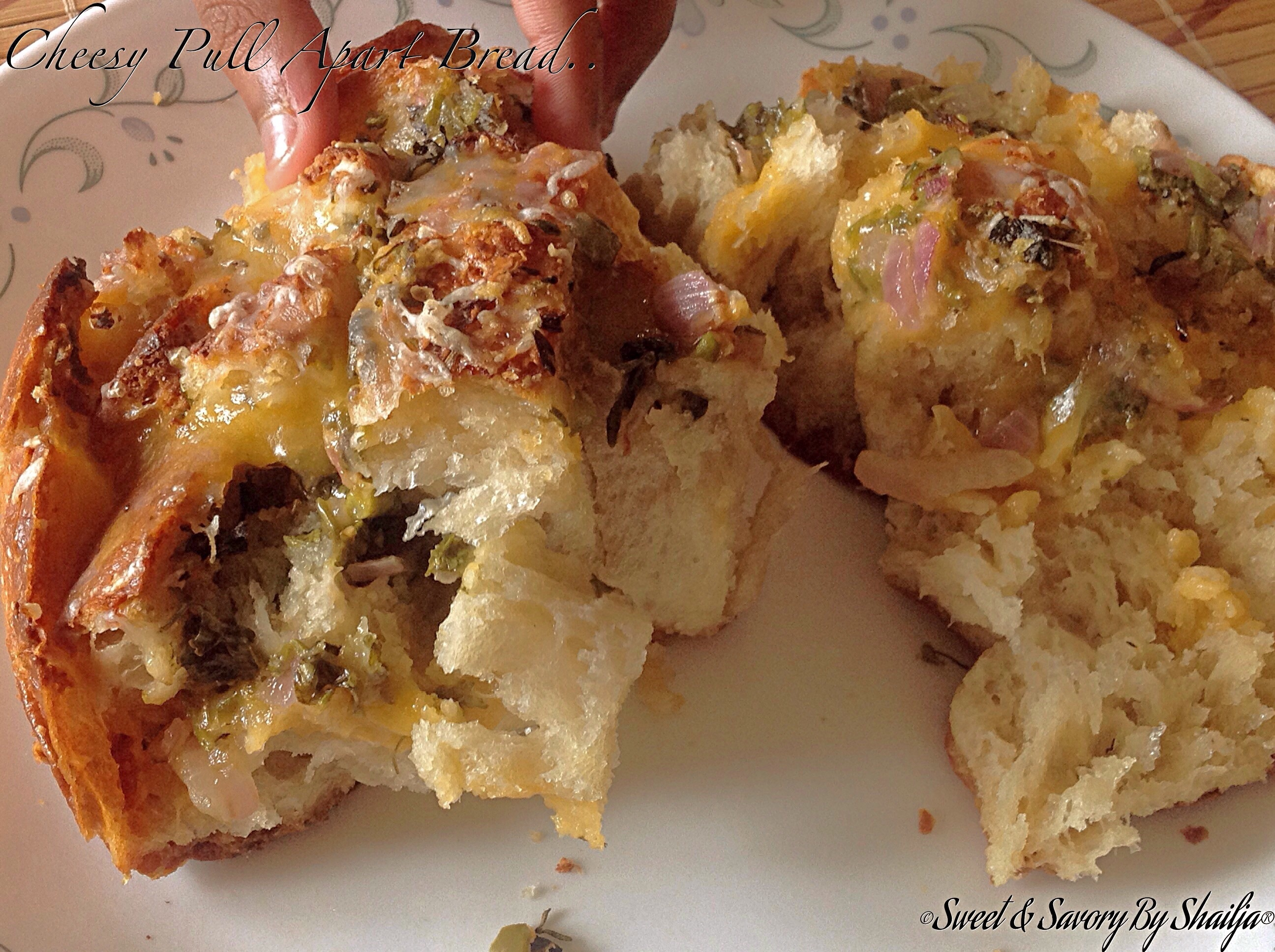 Cheesy Jalapeño Onion Pull Apart Bread..