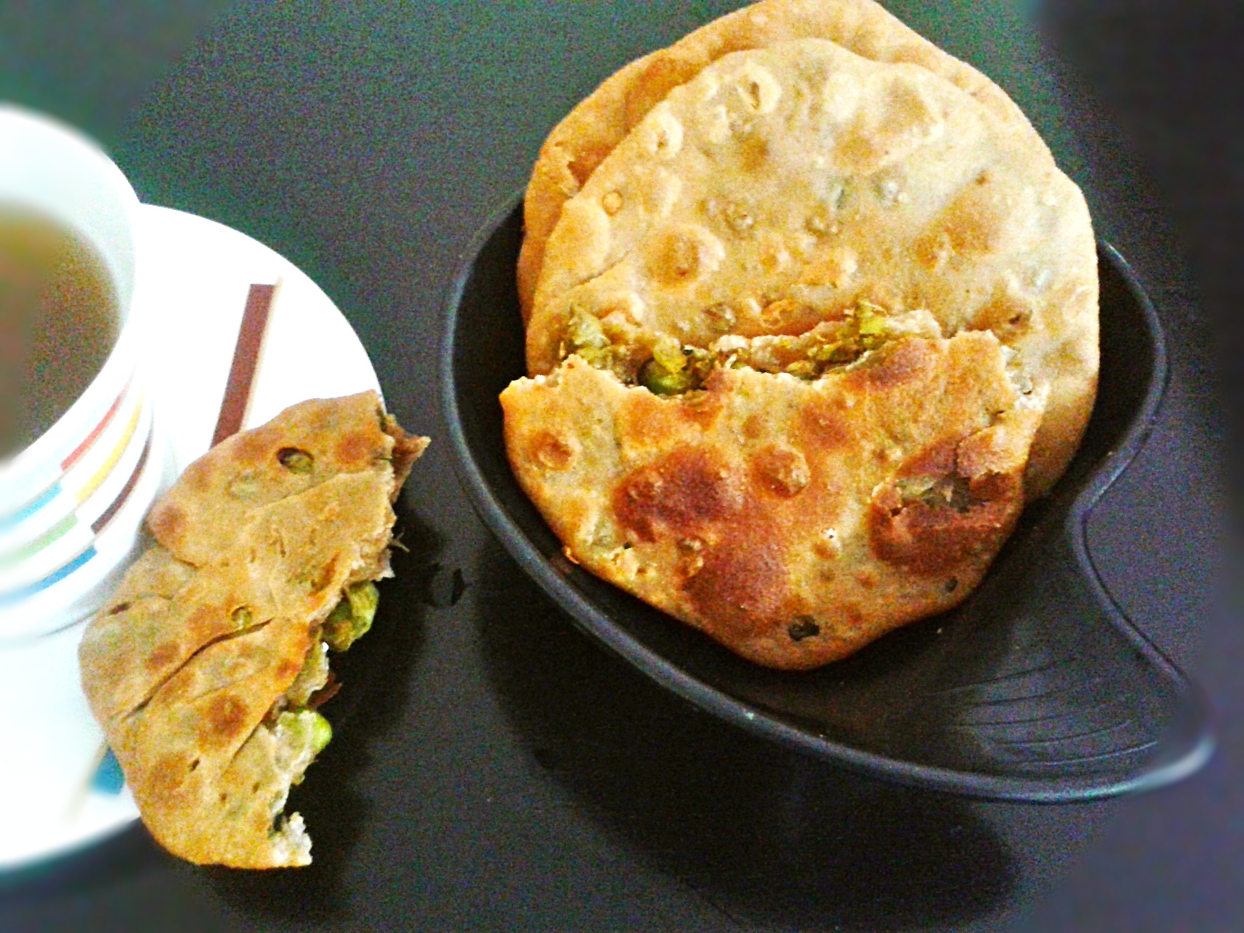 Matar Kachori recipe – Indian pastry filled with spiced green peas