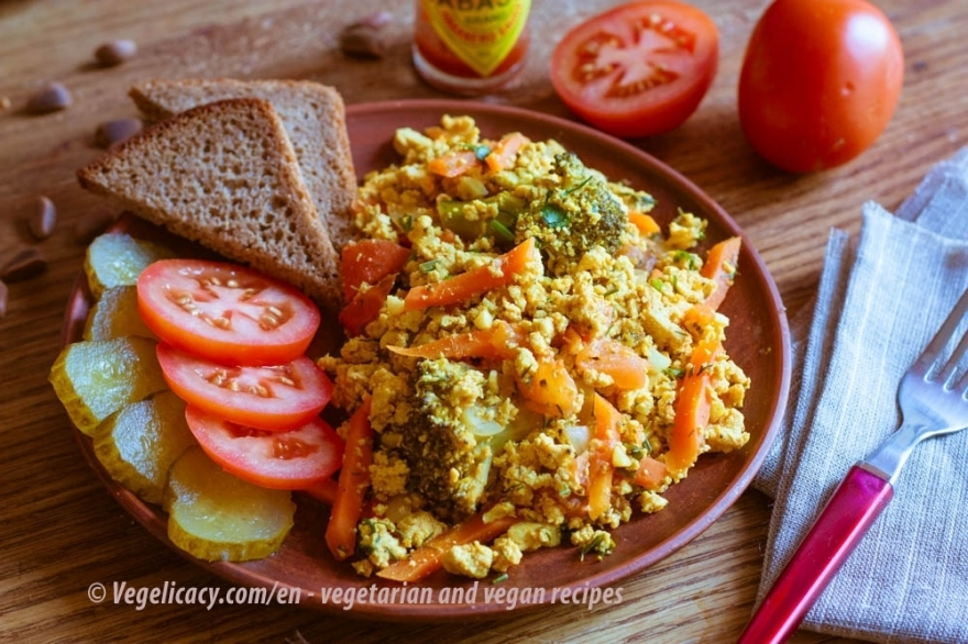 Veggie and Tofu scrumble | Vegetarian recipe with photos
