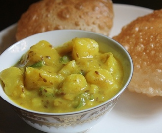 Puri Bhaji Recipe - Breakfast Aloo Bhaji Recipe - Aloo Bhaji without Onions & Garlic